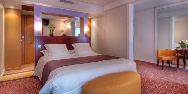 Hotel Ampere - Book your 4 star hotel at the best rates